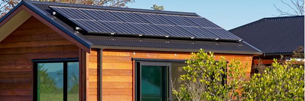 Grid-Tied Solar Systems vs. Off-Grid