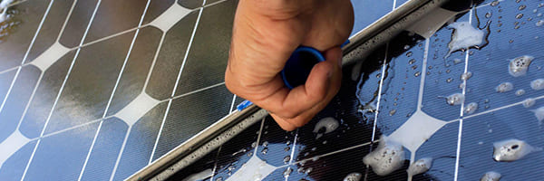 What to Expect During a Solar Panel Cleaning